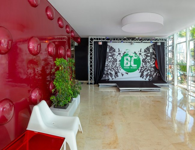 Hall appartements benidorm celebrations ™ music resort (adults only)