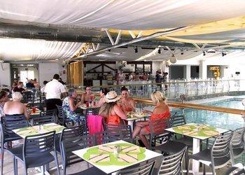 RESTAURANT BUFFET Apartamentos Benidorm Celebrations™ Pool Party Resort (Adults Only)