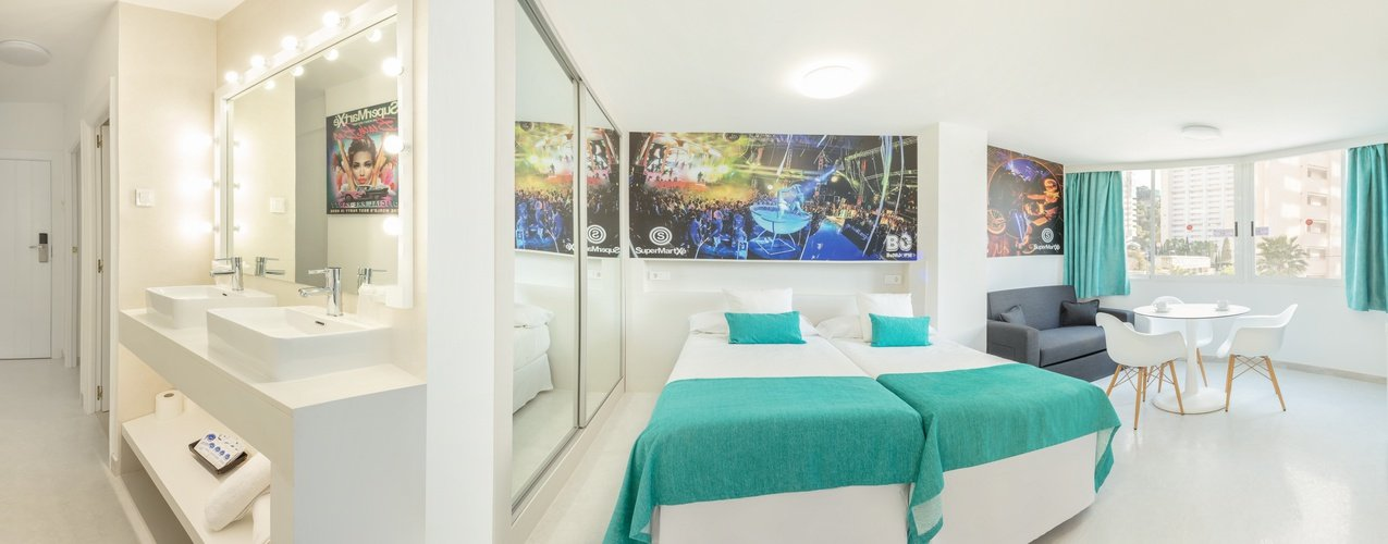 Chambre appartements benidorm celebrations ™ music resort (adults only)